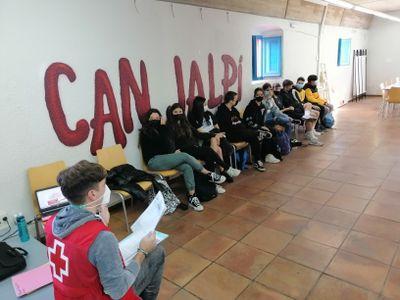 60 joves comencen la formació de premonitors/es a l'Espai Jove Can Jalpí