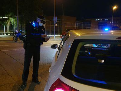 Controls policials a Pineda per evitar l'accés a segones residències durant el cap de setmana