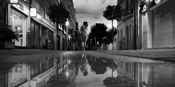El 10è Premi OMBÚ de fotografia premia la visió més artística de la quotidianitat de Pineda