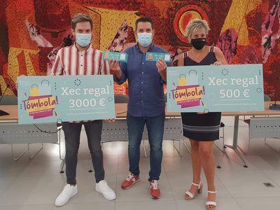 Pineda de Mar entrega 3000 € i 500 € dels sorteigs de fi de la campanya comercial Tómbola Pineda