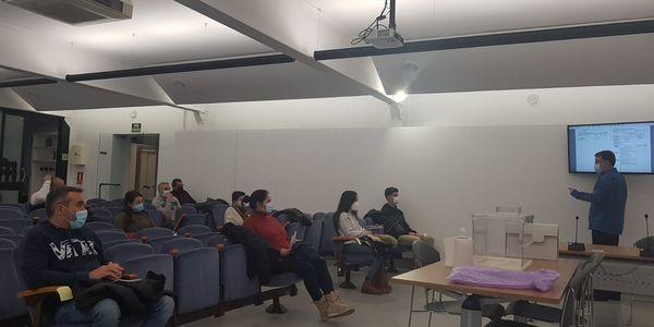 Pineda de Mar organitza sessions formatives per a membres de les meses del 14 F