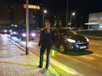 Primer cap de setmana de confinament municipal amb 37 persones denunciades a Pineda de Mar