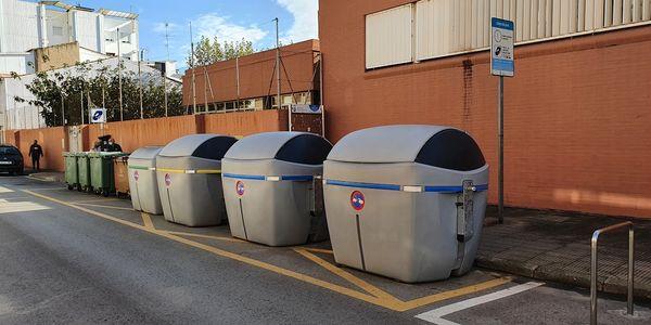 Pineda de Mar augmenta la capacitat de recollida de residus instal·lant nous contenidors