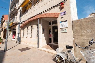 Informació i entrega de documentació a Pineda Centre (Benestar Social c. Major 44)